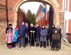 Новокосинская Община людей, страдающих рассеянным склерозом, посетила Троице-Сергиеву Лавру