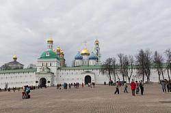 Паломники из Китая посетили Троице-Сергиеву Лавру
