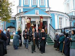 На подворье Троице-Сергиевой Лавры в храме Воскресения словущего состоялся престольный праздник