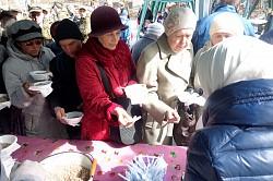 В Паломнической слободе Троице-Сергиевой Лавры состоялся пасхальный благотворительный обед