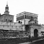 В 1920 году в Лавре произошёл пожар, повредивший стены и башни