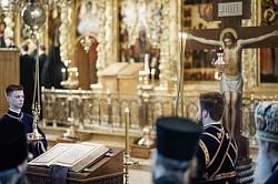В Великий Пяток епископ Парамон совершил Царские часы и иноческий постриг