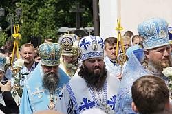 Епископ Парамон передал Патриаршее поздравление участникам торжества в Корецком монастыре