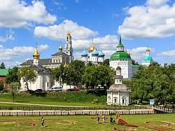 Приглашаем волонтеров потрудиться в Троице-Сергиевой Лавре в дни праздника обретения мощей преподобного Сергия Радонежского